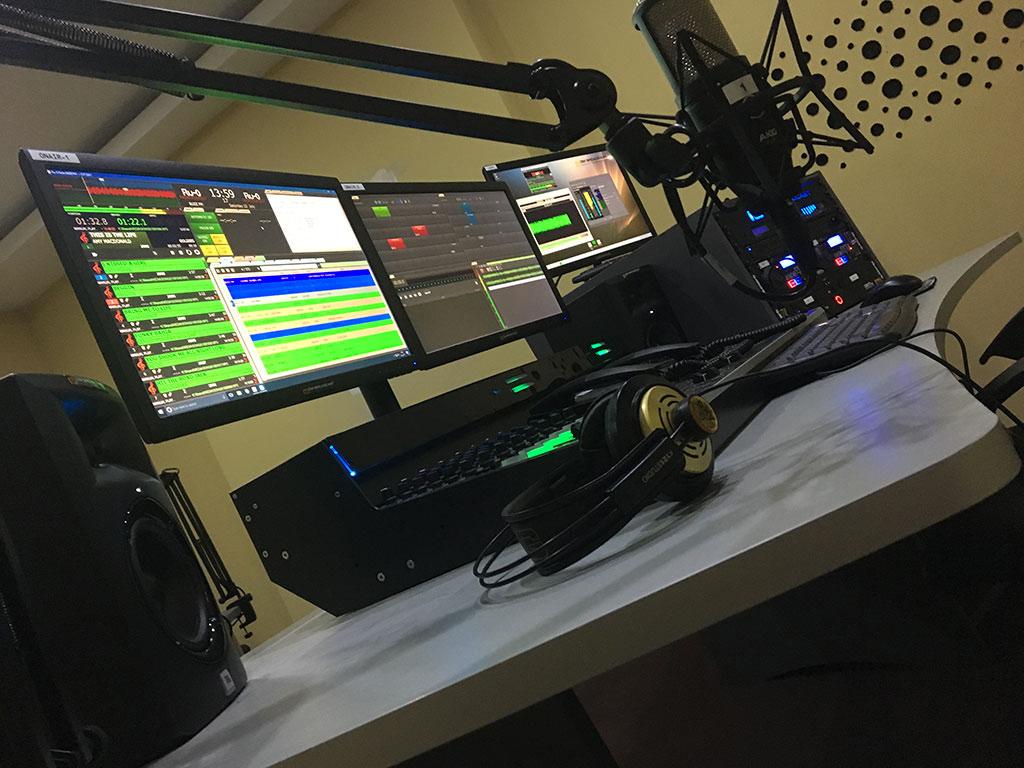 Paquetes completos de estudio de radio FM