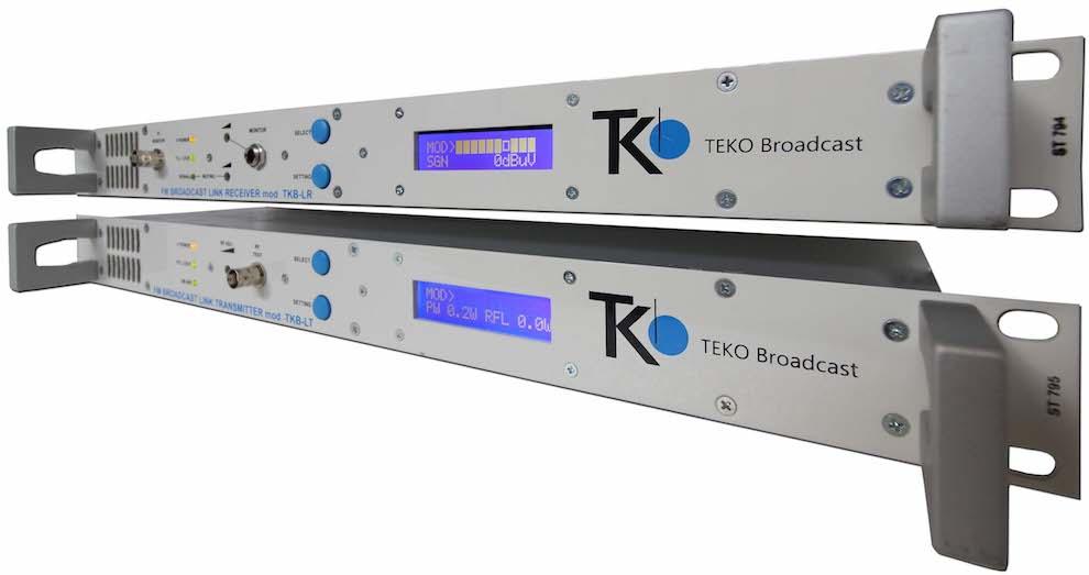Un émetteur de liaison de studio, une liaison d'émetteur de studio ou une STL est un type spécial d'équipement utilisé dans l'industrie de la radiodiffusion. Son travail consiste à envoyer des signaux audio ou vidéo de la base de diffusion à un autre émetteur distant de plusieurs kilomètres.
