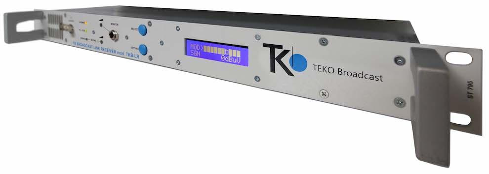 Un transmisor de enlace de estudio, un enlace de transmisor de estudio o STL es un tipo especial de equipo utilizado en la industria de la radiodifusión. Su trabajo es enviar señales de audio o video desde la base de transmisión a otro transmisor que puede estar a varias millas de distancia.